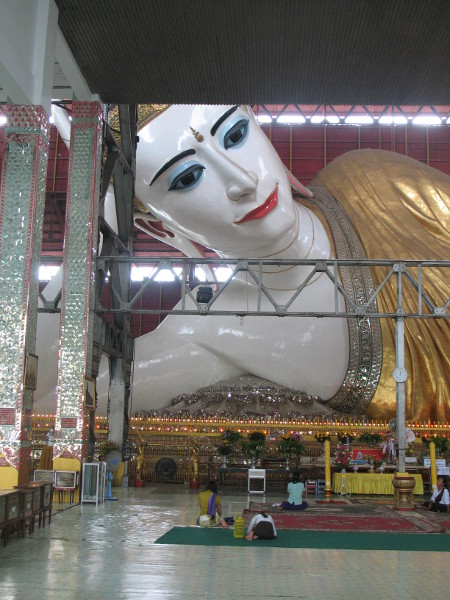 Worlds Largest Reclining Budda.JPG